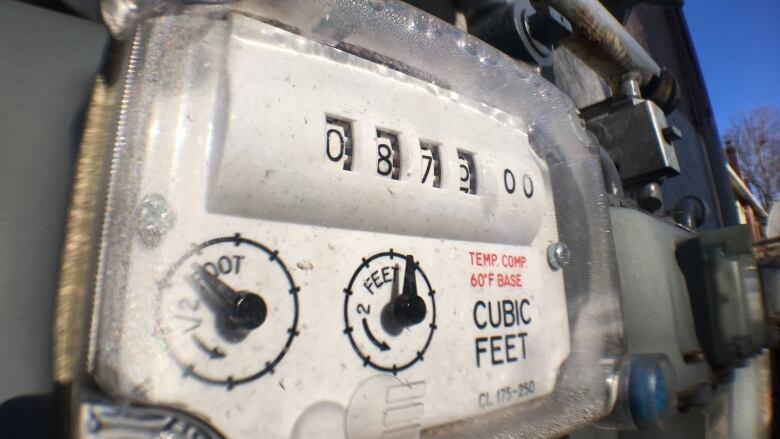 天然氣價格飆升,不少國民今年冬天將收到加價賬單。CBC