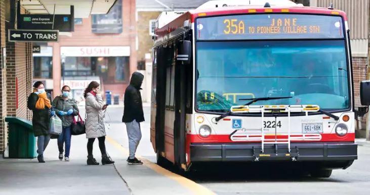 疫情期間,大溫巴士乘客量一度減少。資料圖片