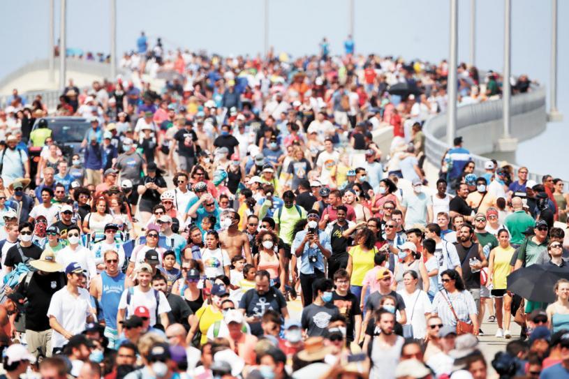此次發射吸引眾多民眾到現場觀看。美聯社
