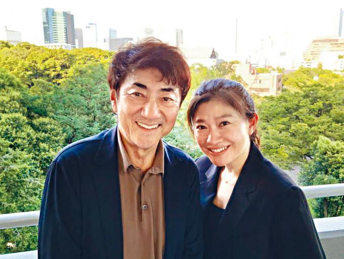 昨日篠原涼子與市村正親宣布離婚,但發布一張燦爛笑容照。