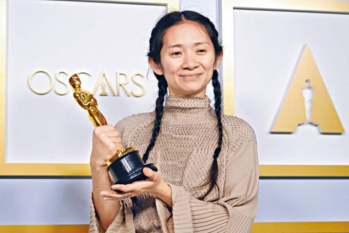 趙婷去年獲金獅獎後,今年以評審委員身分回歸威尼斯影展。