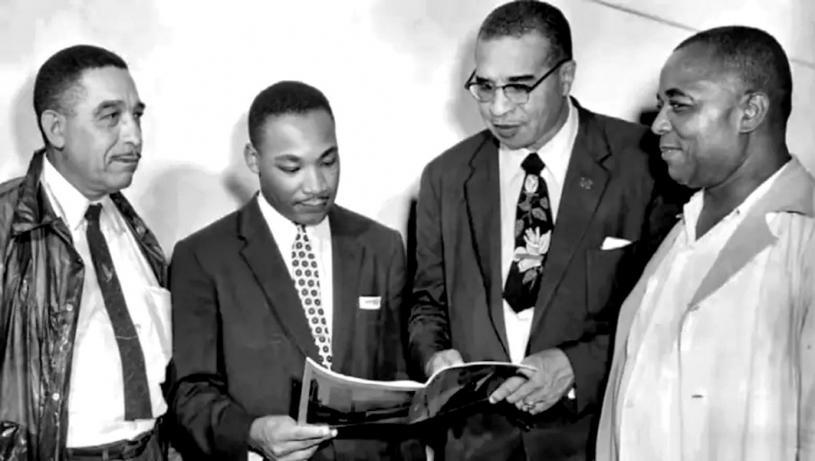 ■馬丁·路德·金(左二)1956年參加在安省溫莎舉行的紀念解放日慶祝活動。Silver Wave Film Festival