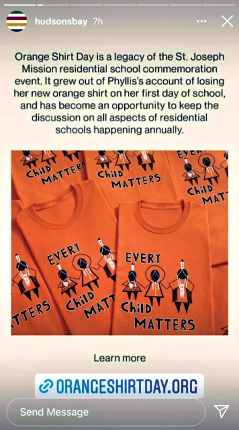 ■海灣百貨公司最近正在銷售紀念原住民寄宿學校事件的橙色T恤。Hudson's Bay Instagram