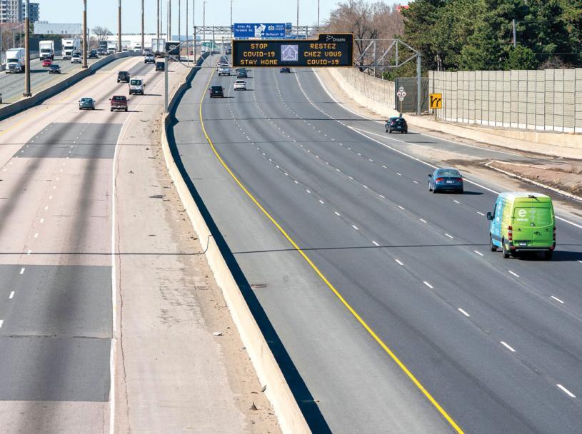 ■圖為去年疫情之下,401公路的汽車流量大減。加通社資料圖片
