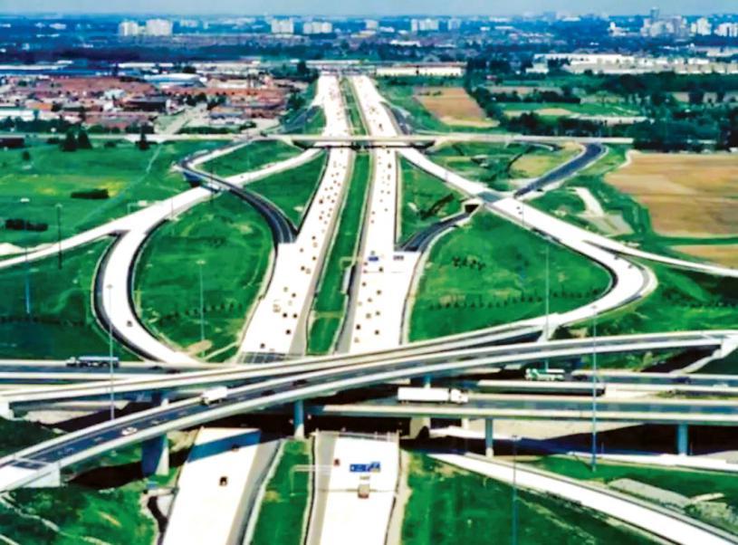 ■疫情下少流量的高速公路和公路成為常態,導致較少保險索賠。星報資料圖片
