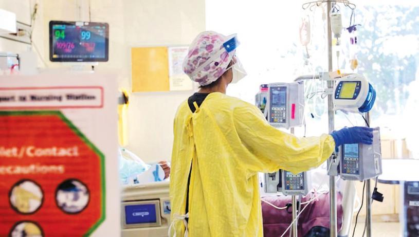 ■安省周二報告單日新增疫例低於四百宗。加通社資料圖片