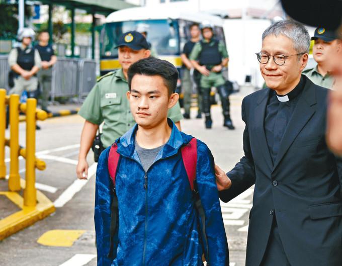管浩鳴重申陳同佳赴台自首的意向不變,主要等待台灣作明確答覆。