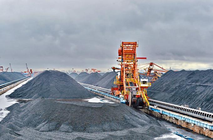 山西水災加劇供應緊張,刺激中國動力煤價格飆升至紀錄新高。