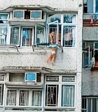 男童捐窗意外 母亲涉疏忽照顾被捕