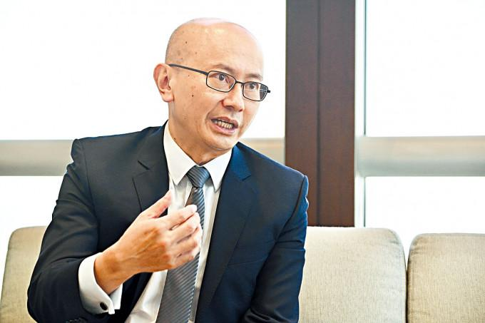 金管局助理總裁何漢傑表示,銀行互相搶人,不能解決人才不足問題,業界必須要吸納新血。