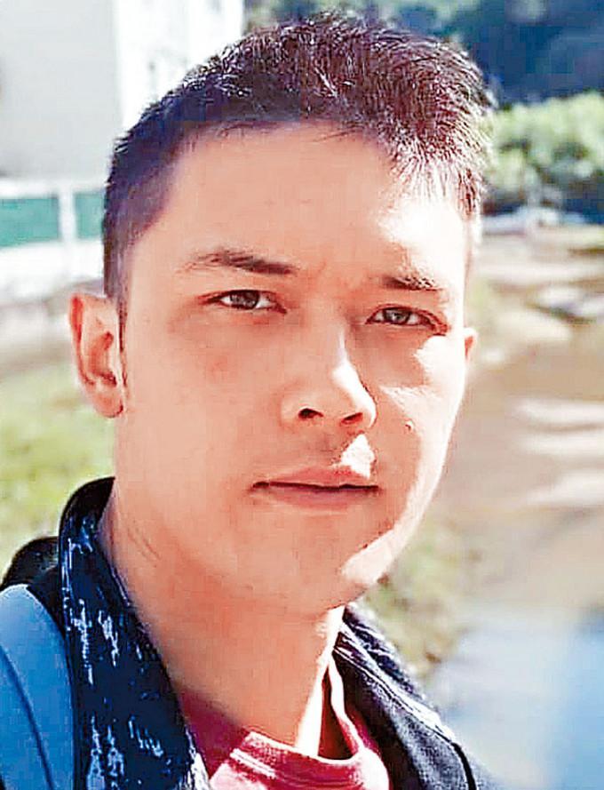 警方發放疑兇的照片,形容他極度危險。