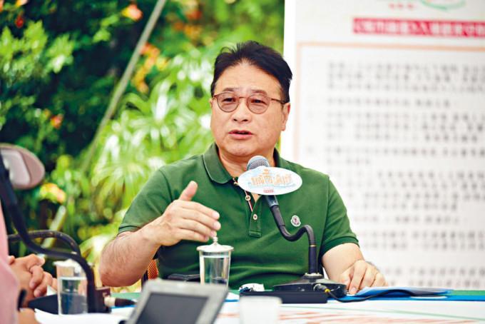 民主黨創黨成員李華明形容自己是黨內異見分子,並承認有意退黨。