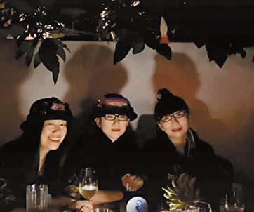 楊麗萍10日曬出自己與兩個妹妹的 近況視頻。 網上圖片