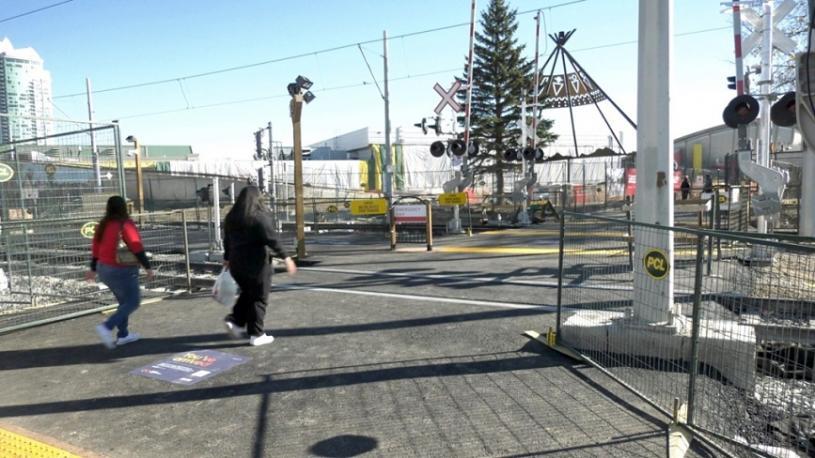 維多利亞公園和Stampede輕鐵站開放2條新行人路。